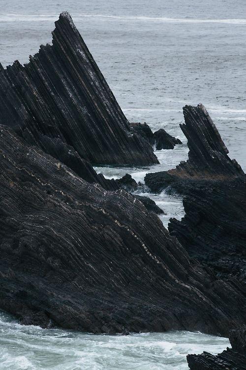 #borddemer #rochers #mer #ocean #vagues #sea #waves tbs.fr