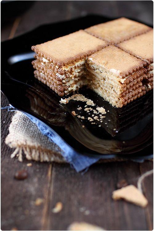 Ce gâteau Thé brun est une recette familiale. C'est le gâteau préféré de mon papa qu'il mangeait quand il était petit, et c'est une recette que nous