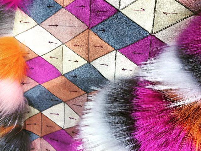 Details behind the making of @sagafurs ✂️➡️⬅️ #furrier #fur #wearepremierevision #PremiereVision #Paris #placetobe #tftran