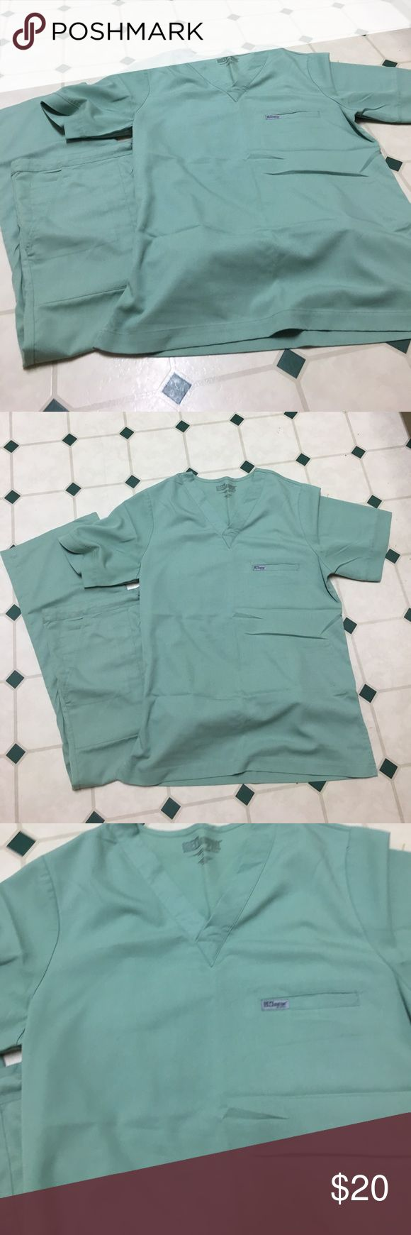 """Grey's Anatomy by Barco unisex scrub set. Unisex Grey's Anatomy scrub set (reminds me of the OR scrubs). Soft """"flowy"""" material. Size small unisex. Barely worn. I love these scrubs the material is soft and flexible. Happy to answer any questions...thanks❣️ Grey's Anatomy by Barco Other"""