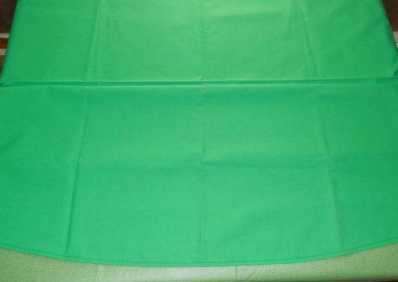 Irish Green Tablecloth 72 Oval Nice Shamrock By ShellyisVintage