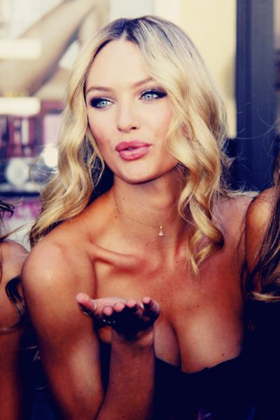 Candice kiss blower  <3