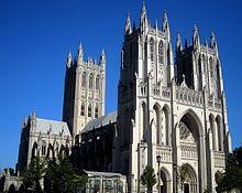Estados Unidos -Catedral Nacional de Washington D. C., perteneciente a la Iglesia episcopal, aunque con distintos servicios diarios de otras congregaciones.