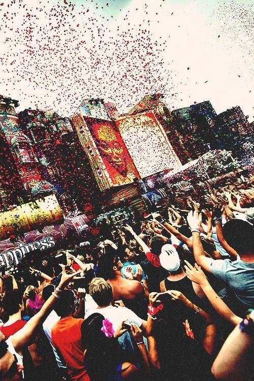 Tomorrowland, hier wil ik graag naartoe, waarschijnlijk ga ik hier volgend jaar heen!