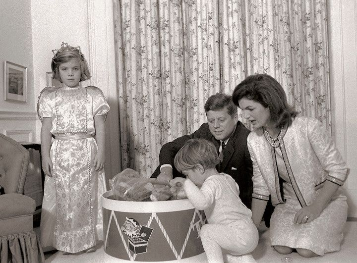 17 best images about jacqueline bouvier kennedy onasis on for John kennedy jr kids