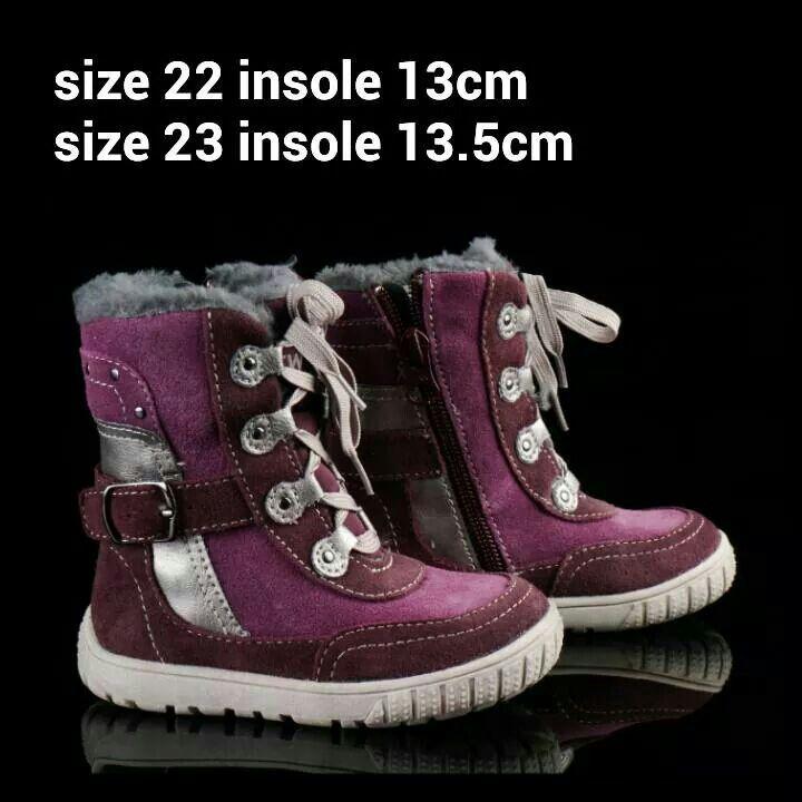 READY STOCK KIDS LEATHER BOOTS KODE : CAVIAR PURPLE Size 22,23 PRICE : Rp.205.000,- AVAILABLE SIZE (insole) :  - Size 22 (13,5cm) - Size 23 (13,5cm)  Material : Full Leather (Genuine Leather/Kulit Asli),Sol karet lentur. Ringan dan nyaman sesuai utk anak-anak.  Insole = panjang sol dalam. Ukurlah panjang telapak kaki anak, beri jarak minimal 1,5cm dari insole.  FOR ORDER : SMS/Whatsapp 087777111986 PIN BB 766A6420 LINE : mayorishop FB : Mayorishop  #pusatsepatubootsanak #readystock…