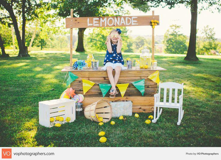 Summer Lemonade Stand | Mini Sessions
