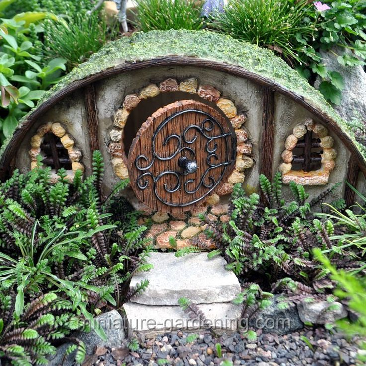 17 best images about the house of faerie on pinterest for Miniature fairy garden doors