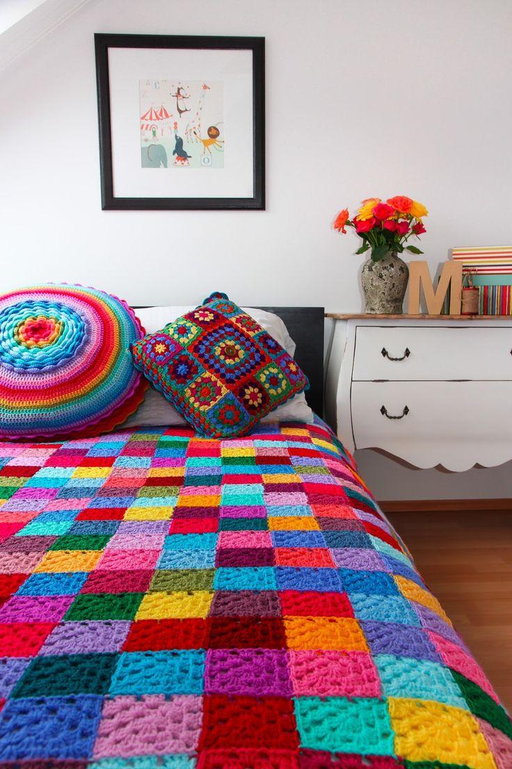 Die besten 25 blauer teppich schlafzimmer ideen auf pinterest indigo schlafzimmer warme - Teppich jungenzimmer ...