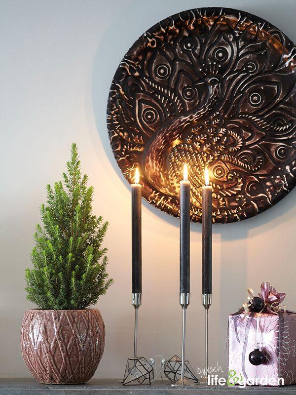 Zwarte kaarsen zijn zowel romantisch als chique.