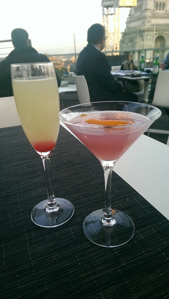 Cocktails at Skylounge at DoubleTree by Hilton Hotel London - Tower of London