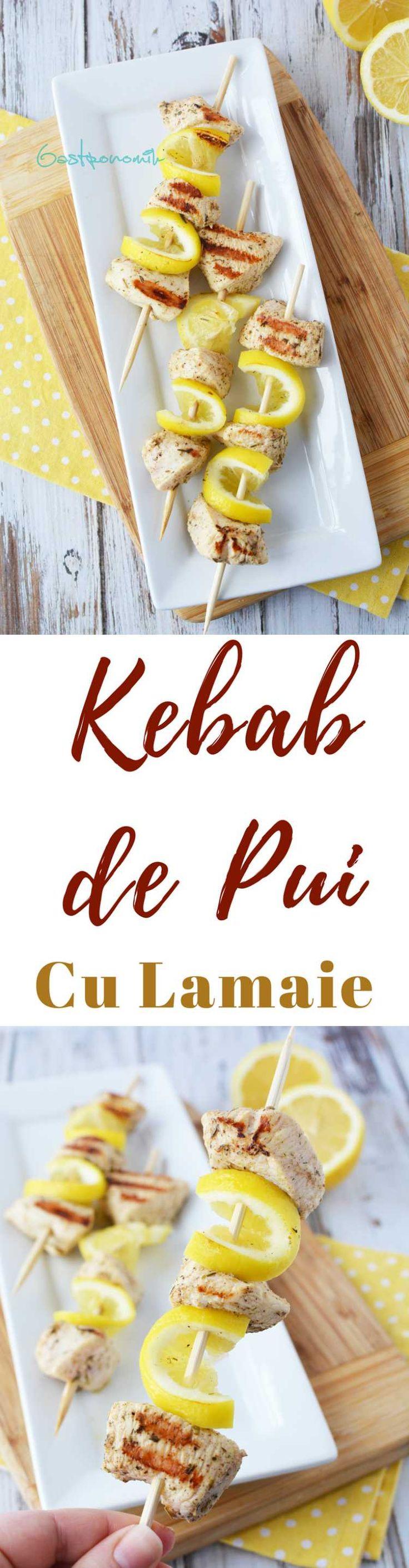 FRIGARUI DE PUI MARINATE - Aceste frigarui de pui cu lamaie sunt marinate în condimente cu arome grecești pentru cele mai delicioase frigarui la gratar pe care le-ai facut vreodată!