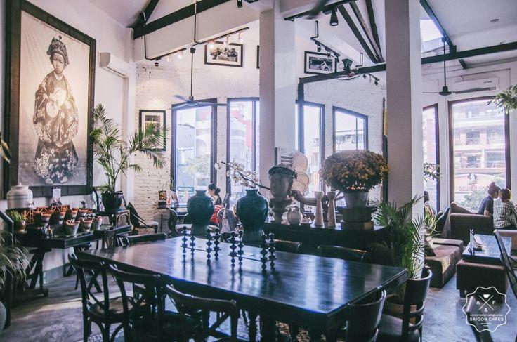 La Rotonde Cafe, Saigon