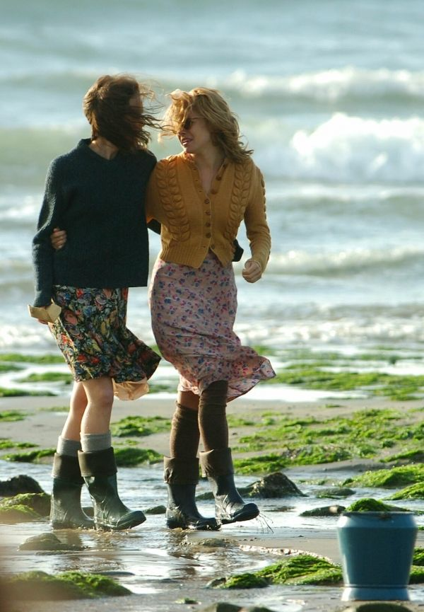 Keira & Sienna filming The Edge of Love - fashion perfection
