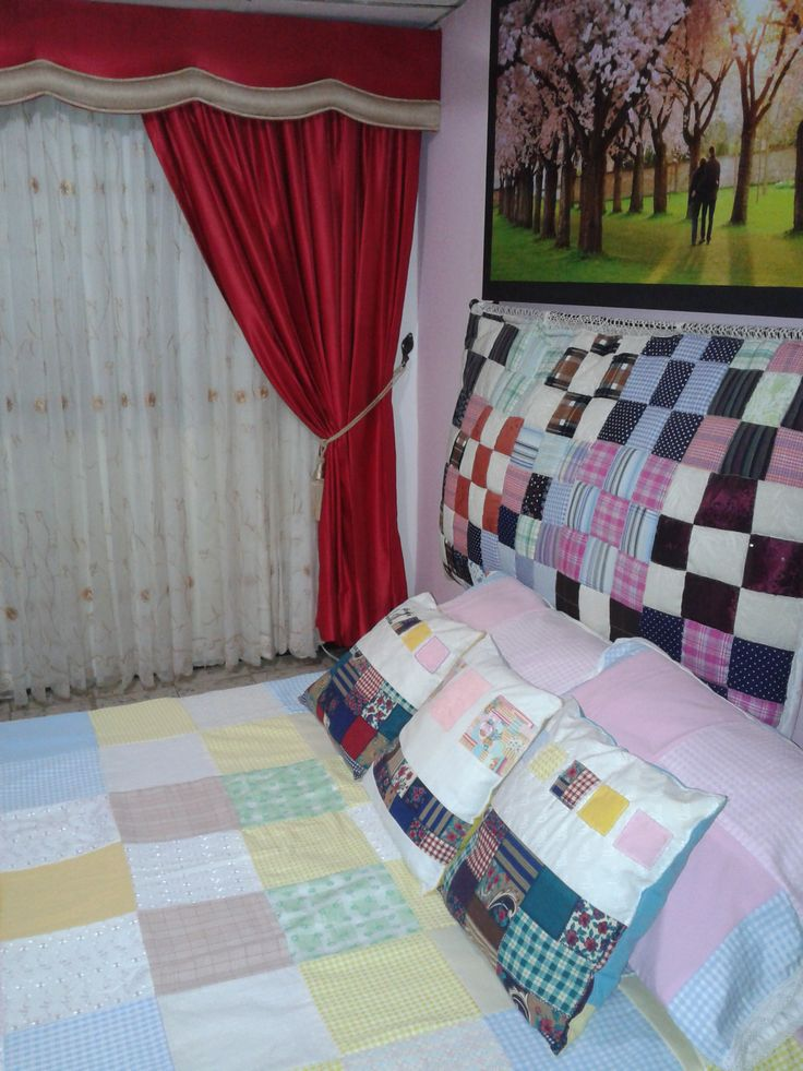 Beadcover and pillowcases.