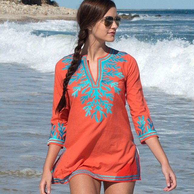 Did yo know we started to carry Gretchen Scott! And we still have this tunic available in coral and white!