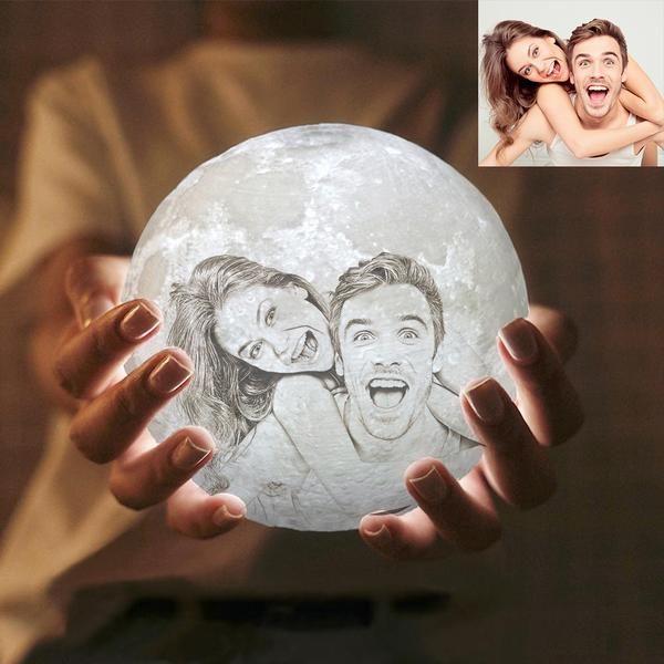 Mond Lampe Mit Eigenem Foto In 2020 Selbstgemachte Geschenke Fur Den Partner Geschenkideen Freundin Geburtstagsgeschenk Mutter