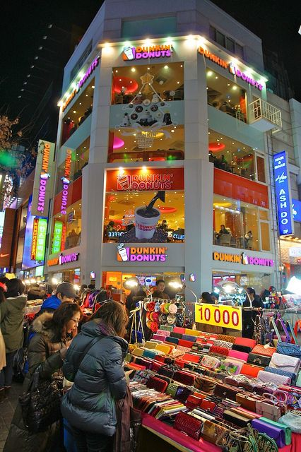 Dunkin' Donuts in Myeong-Dong, Seoul, South Korea.....why cant you be in San Diego?!?!?!?!?