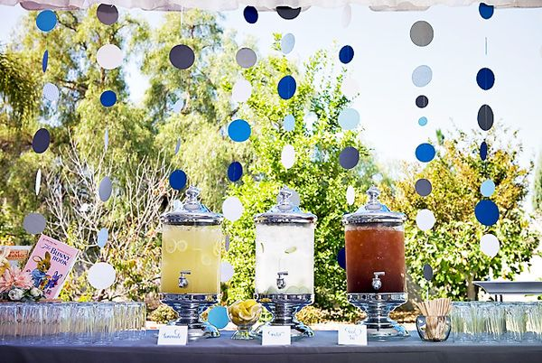 Boy babyshower: Baby Blue, Circles Garlands, Rabbit Baby, Drinks Stations, Boys Babyshower, Baby Shower Drinks, Peter Rabbit, Parties Ideas, The Dots