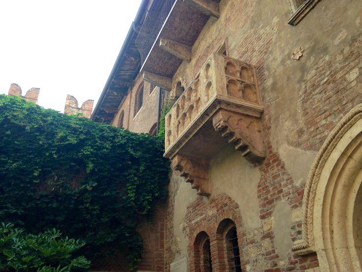 Juliet's balcony. Casa di Giulietta. Verona, Italy.