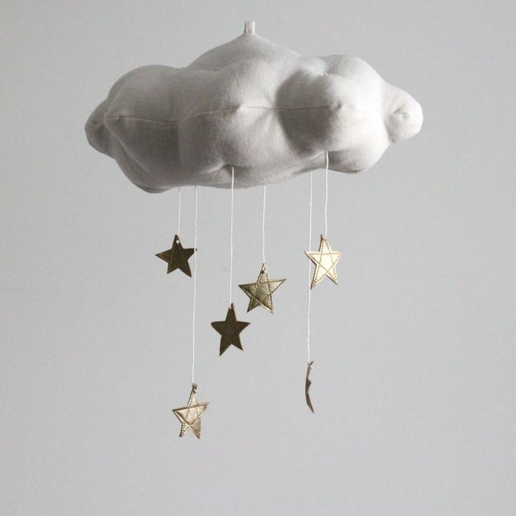 Handmade cloud and stars mobile by Jahje Ives. Bonus: No batteries.Nurseries Decor, Baby Jive, Stars Clouds, Modern Fabrics, Kids Room, Gold Stars, Clouds Mobiles,  Chute, Baby Nurseries