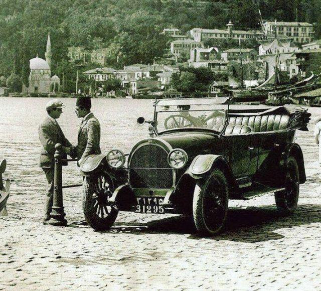 <p>İstanbul tramvay ile 1871 yılında tanıştı. O yıllarda tramvayları atlar çekiyordu.</p> <p></p>