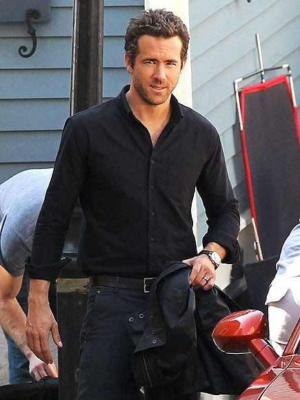 Ryan Reynolds On set of R.I.P.D...The HOTTEST IT CAN EVER GET!