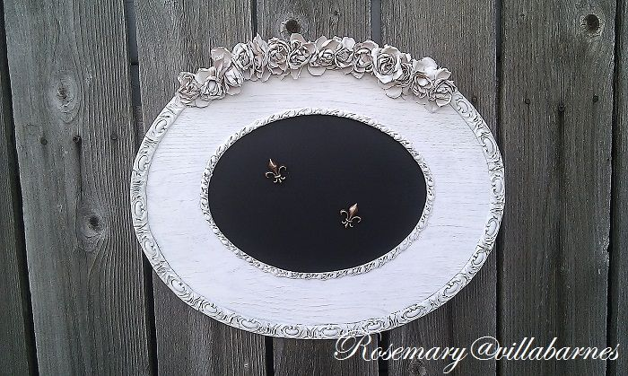 Not a mirror, but a great idea to spray paint and gesso flowers villabarnes: Shabby Magnetic Board