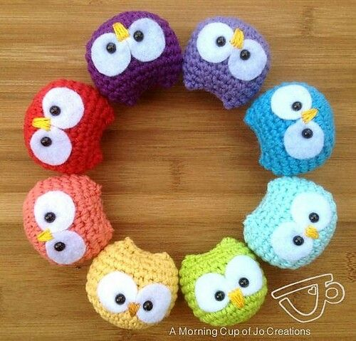 http://www.ravelry.com/patterns/library/baby-owl-ornaments