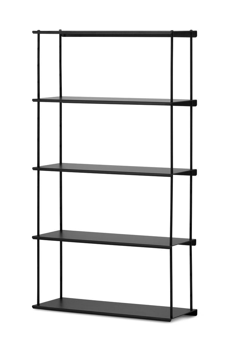 Elton är en lättplacerad vägghylla i vit- eller svartlackerad metall. Det är färdiga hyllor som kan kombineras med varandra.