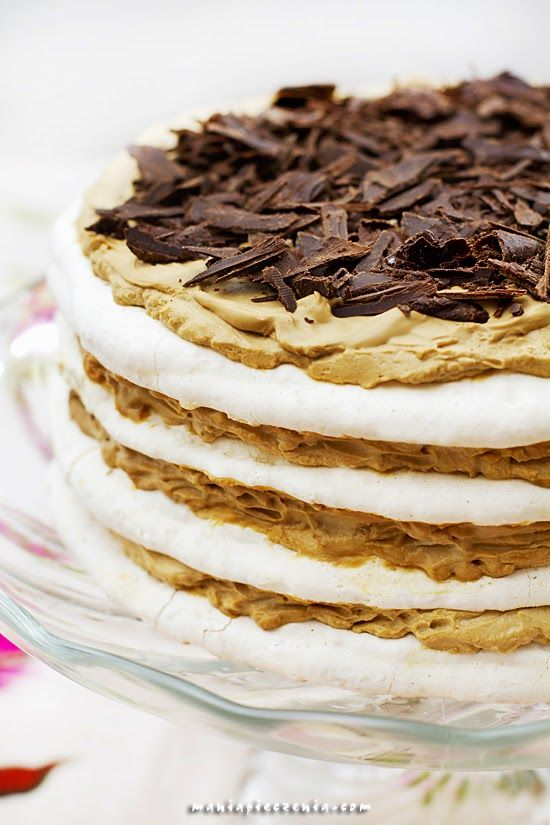 Tort bezowy kokosowo-kawowy / Coconut & Coffee Meringue Layer Cake