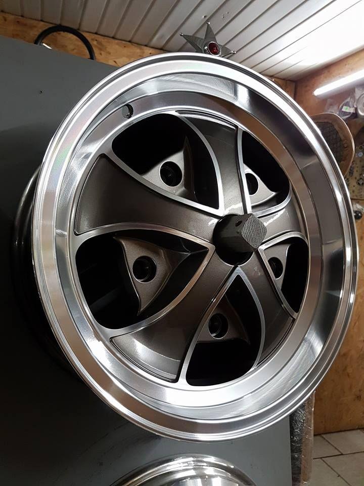 les 19 meilleures images du tableau jantes wheels sur pinterest jantes volkswagen et scarab es. Black Bedroom Furniture Sets. Home Design Ideas