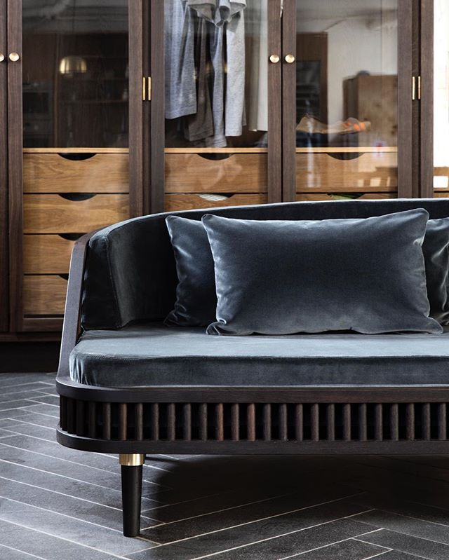 KBH 401 Dedar - We are so honored to be invited to Wallpaper* Handmade at Milano this week. And for the great collaboration with the people at Dedar, Italy's leading fabric company. This is our first sofa and we love it. Come see the full sofa at Wallpaper* Handmade #kbh401dedar #handmadefurniture #københavsmøbelsnedkeri #dedar #velvetsofa #wallpaperhandmade
