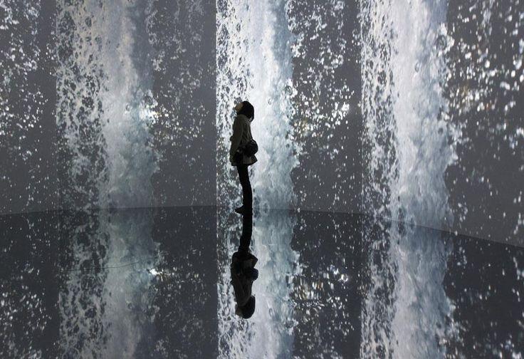 Installation vidéo de l'artiste japonaisOdani Motohiko au Mori Art Museum de Tokyo (Japon), le 21 janvier 2011. | KIM KYUNG-HOON / REUTERS