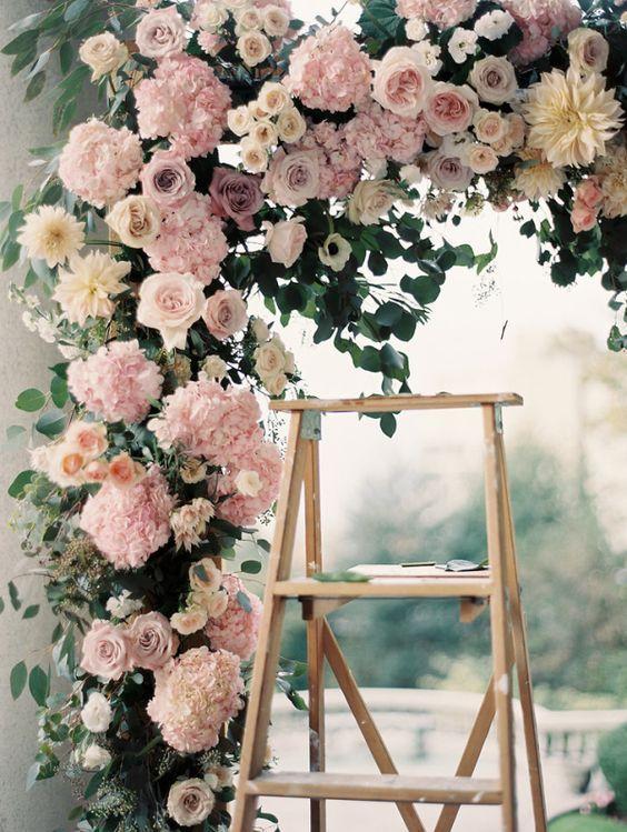 "Pink wedding florals - pink rose archway. ❥""Hobby&Decor"" inspirações! | #hobbydecor #arquitetura #art #decor #interior #garden"