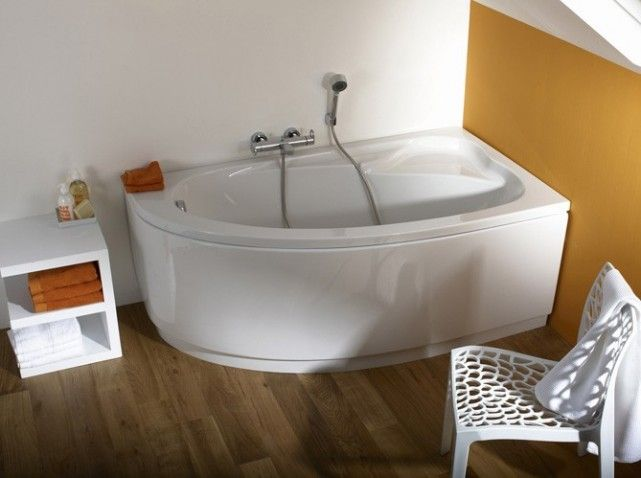 les 25 meilleures id es de la cat gorie baignoire asym trique sur pinterest baignoire d angle. Black Bedroom Furniture Sets. Home Design Ideas
