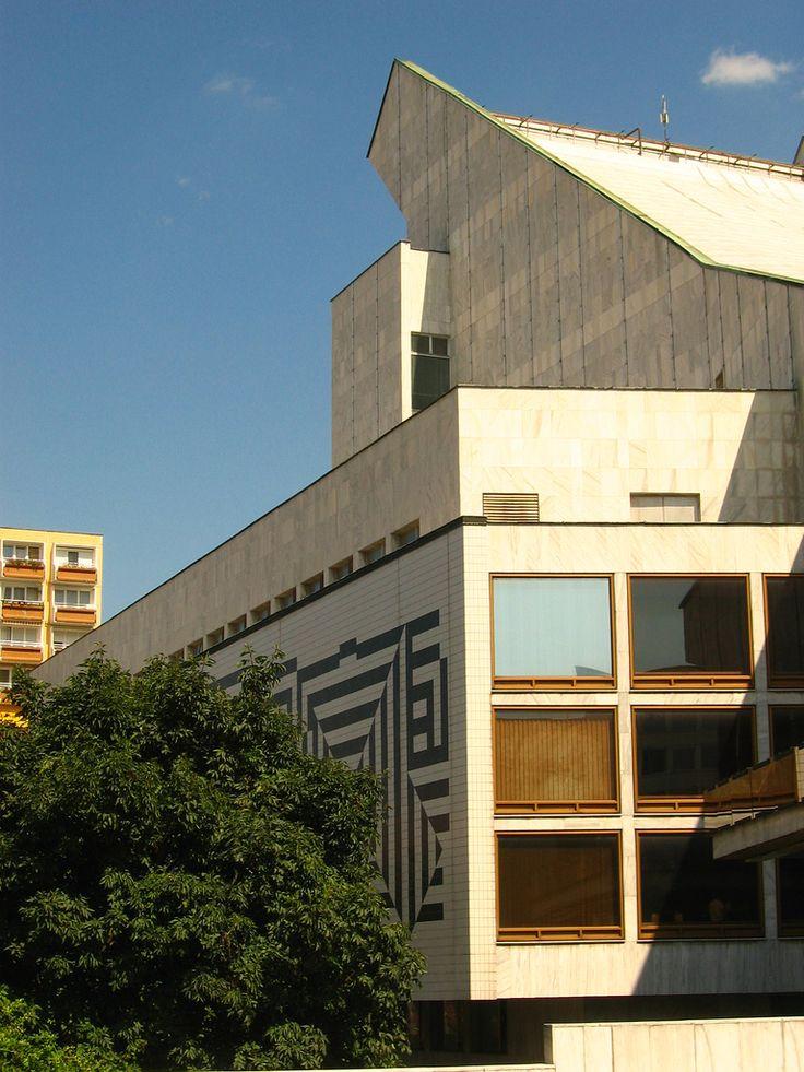 https://flic.kr/p/5dmmLA | Győr: Modern V. Vasarely facade of the theatre I a színház Vasarely homlokzata