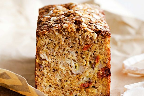 BANANA, COCONUT & GOJI BERRY BREAD - Treat yourself with this low-cal, healthy version of banana bread, from the October 2014 issue of taste mag. Find even more healthy desserts twists in the mag!
