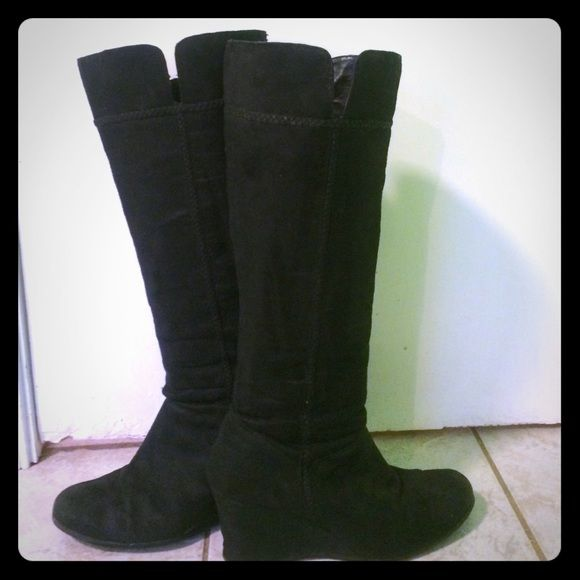 Clearance Black suede boots🌺 In in good condition. Super cute. Wedge is 3 inches. FITS SMALL more like an 8. Felicity style Maripe Shoes Heeled Boots