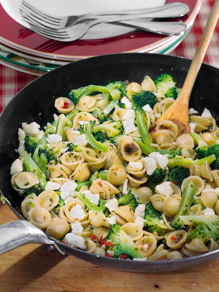Ореккьетте с брокколи и козьим сыром рецепт – паста и пицца. «Афиша-Еда»