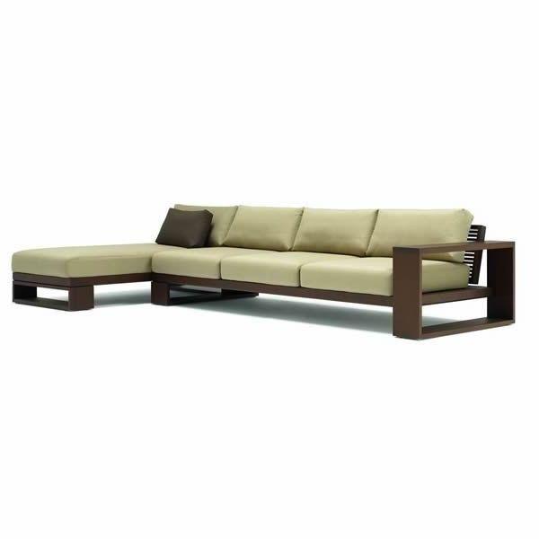 www.muebleslluesma.com  sofa con chaise longue landscape de 3 plazas de andreu world con tapizado en piel y estructura de madera para su descanso al exterior de su jardin.