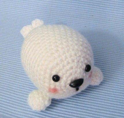 Seal Pup amigurumi crochet pattern, by Amy Gaines.  Etsy.