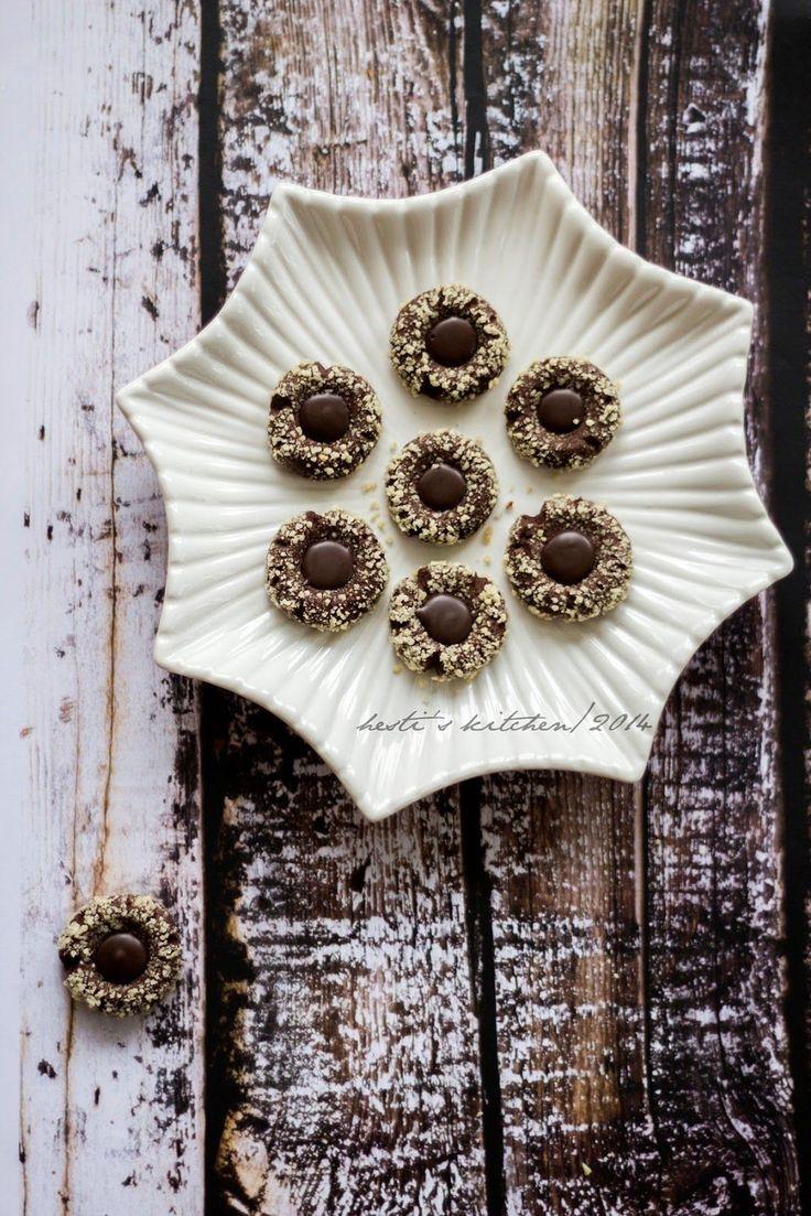 HESTI'S   KITCHEN : yummy for your tummy: Thumbprint Cokelat Almond