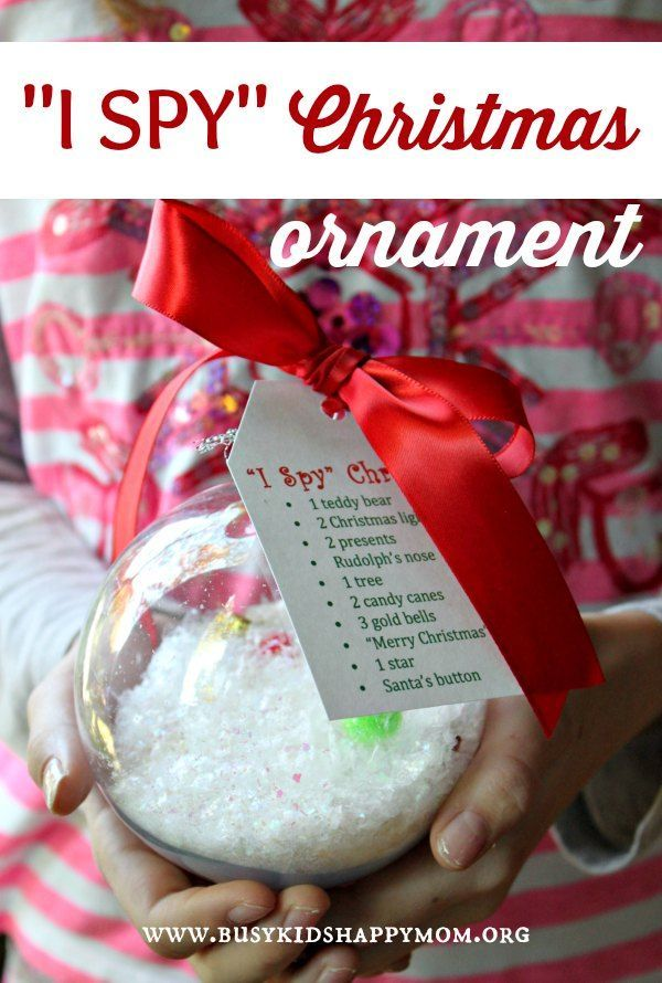 I Spy Christmas Ornament from Busy Kids Happy Mom. Pinned by SOS Inc. Resources. Follow all our boards at pinterest.com/sostherapy/ for therapy resources.