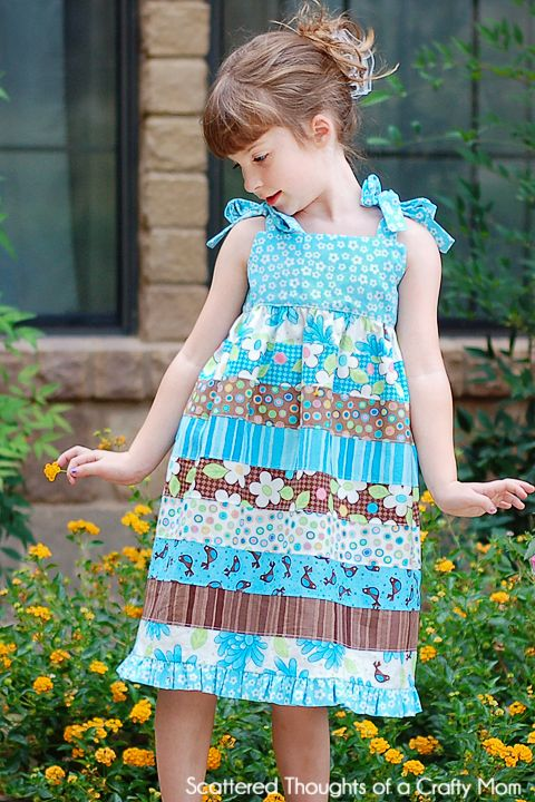 Sundress made from a Jellyroll (w/ mini tutorial) from Scattered Thoughts of a Crafty MomScattered Thoughts, Dresses Tutorials, Crafty Mom, Stripwork Dresses, Jelly Rolls, Sewing Ideas, Kids Clothing, Minis Tutorials, Rolls Stripwork