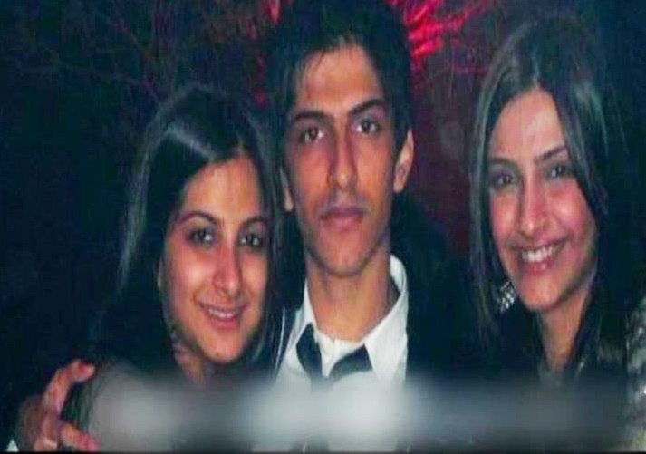 Sonam Kapoor's brother to make his Bollywood debut http://ndtv.in/TePKj4