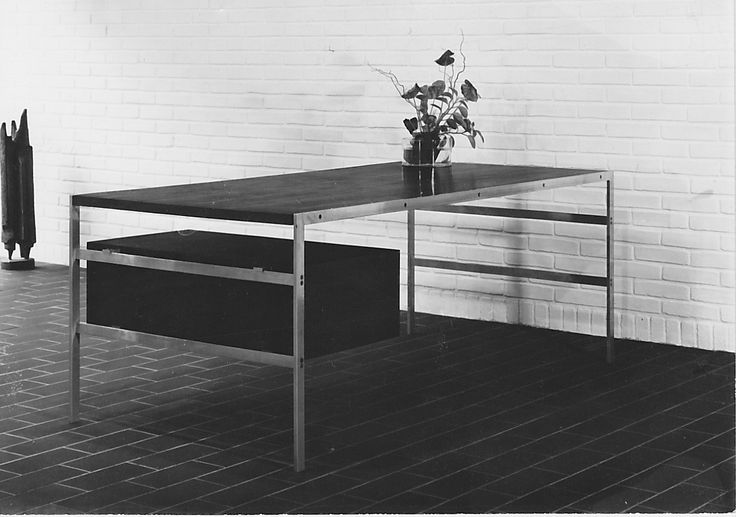 bo-555 desk by Fabricius & Kastholm for bo-ex furniture, 1963. Here shown with drawers and table top in wenge.