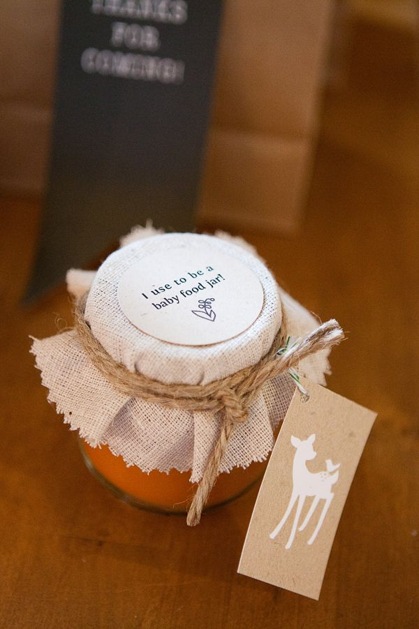 recycled baby food jars turned into candles (favors)