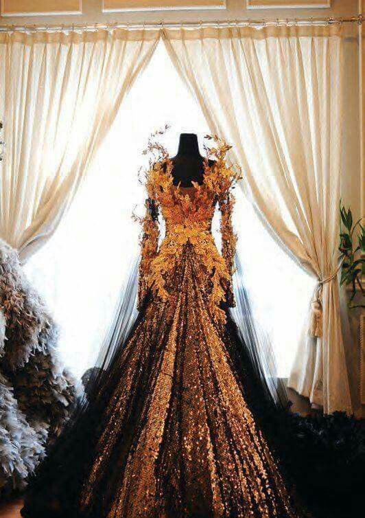 Reshare: Autumn wedding dress. By designer Tex Saverio.
