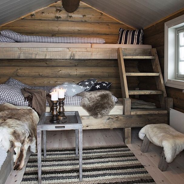 HOME DECOR – RUSTIC STYLE – omg i feel warm already just looking at this cozy bedroom.
